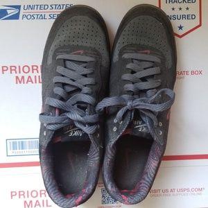 Nike Vintage 314336-002 Air Captivate Black Sneake